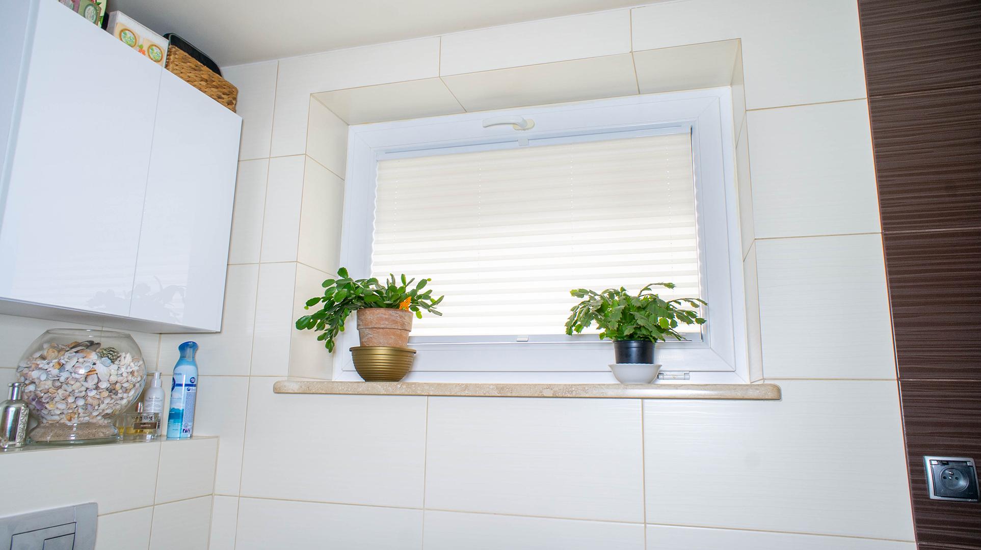 Plisa na oknie w łazience realizacja w Poznaniu 7